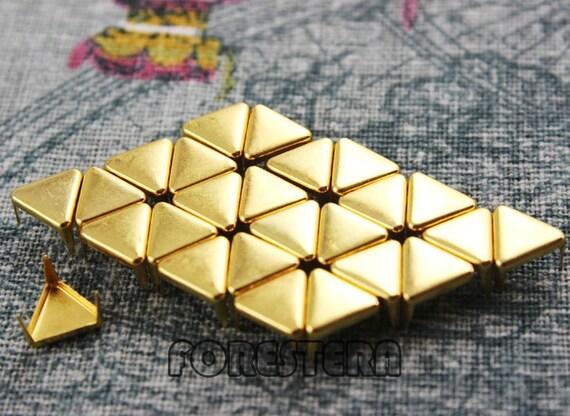 300Pcs 8mm Gold Flat Triangle Studs Metal Studs (JFT08)