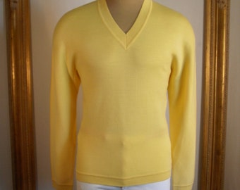 Vintage 1980's Jaccar Yellow Wool Blend V-Neck Sweater - Size Large