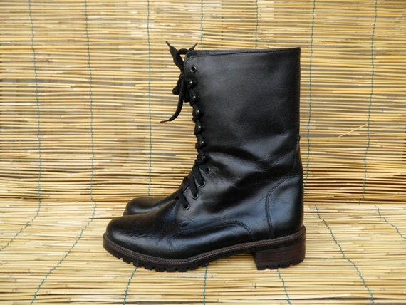 Vintage Lady's Black Faux Leather  Lace Up Boots Size EUR 38 US Woman 7 1/2