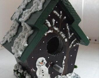 Snowman Birdhouse - Winter birdhouse, rustic Christmas decor, woodland Christmas decoration, snowman decoration, rustic birdhouse, cranberry
