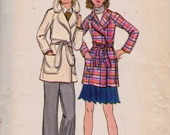 Butterick 6528 Misses' Jacket Pattern, UNCUT, Size 12, Semi-Fitted Wrap Lined Jacket, Vintage 1970's, OuterWear, Coat, Fashion