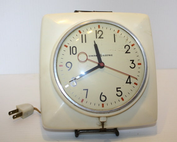 Vintage White Kitchen Wall Clock General Electric 1950s
