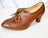 Vintage 70s leather caramel brown ankle booties size 9 9.5  US 41 EUR