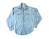 Reserved for Tania - Vintage 1970s Embroidered LEVIS Chambray Denim Button Shirt - Small