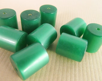 20 Vintage 9x10mm Emerald Green Moonglow Lucite Tube Beads Bd396