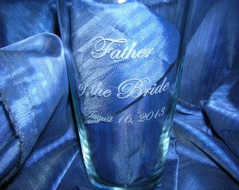 Etched pint glass, groomsman glass, beer glass, engraved pint glass , wedding glass, drinking glass, custom glass, personalized glass