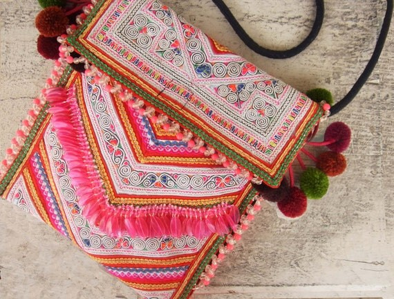 Ethnic fringe purse // circus // cross body // colorful // tassel // tribal // pink // compact size