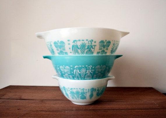 Pyrex Cinderella Bowls with Blue Amish Butterprint Set of 3