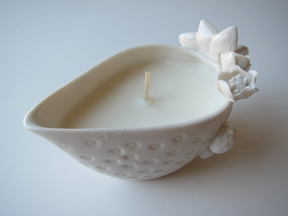 Soy Wax Candle in strawberry-shaped gravy china dish (unscented)