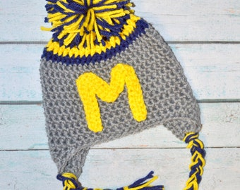 infant crochet hat - U of M - Customize to your college/team