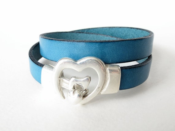 Heart hook & eye clasp flat leather double wrap bracelet in peacock blue, dark teal, boho autumn fashion