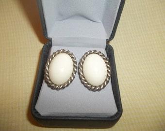 Beautiful White Oval Glass Cabochon Pierced Earrings