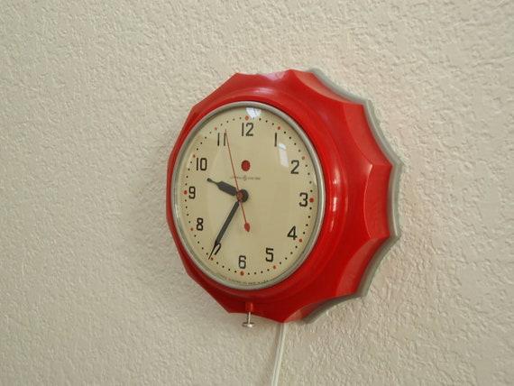 RESTORED1940s GE Wall Clock