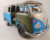 classicwrecks VW 1/24 scale samba bus in blue and white