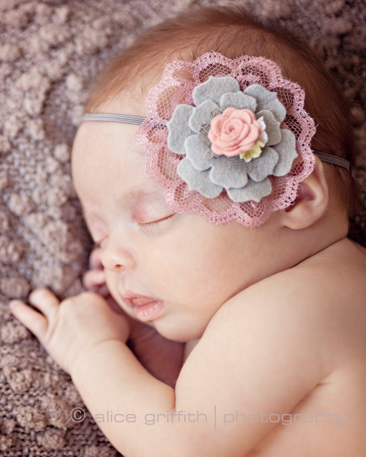 Girl's & Baby Headbands. Headbands are a fun addition to any girl's outfit. Add some flair, mix and match colors, and bring some extra cheer to your girl's wardrobe. Our selection ranges from basic headbands to specialty versions that feature gorgeous flowers, patterns, and embellishments. Take a look at our full collection and discover the.