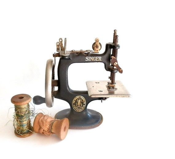 RESERVED FOR MASSEYNA Antique Sewing Machine Vintage Singer Sewing Machine