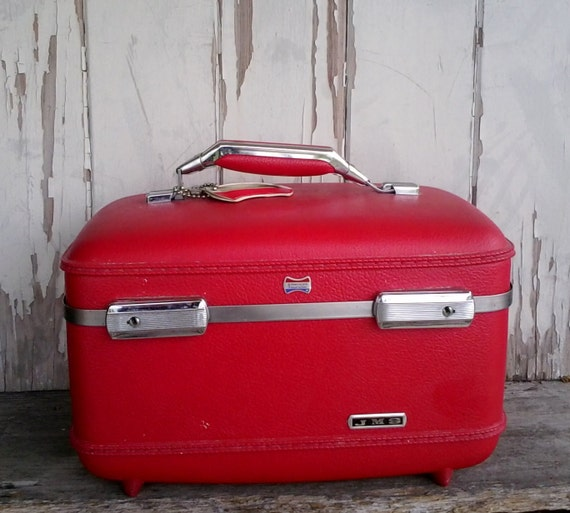 After Christmas SaleBright cherry red vintage train case with chrome accents