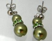 Bridal Green Pearl Earrings