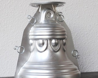 Vintage Wilton Cake Pan 3D Bell Stand Up Aluminum Baking Mold, Wedding July 4th Liberty Christmas, 516-3608