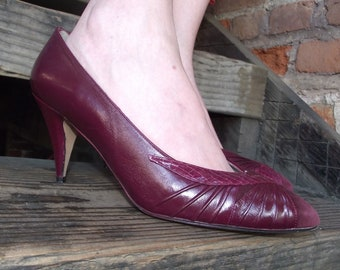 Size 9 M / Sultry Red Wine Leather, Suede & Snakeskin Heels 80's made in Spain