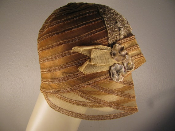Vintage Lace Trimmed Dusty Peach  Flapper Hat
