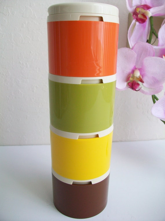 VTG TUPPERWARE mod 60-70's stackable shakers