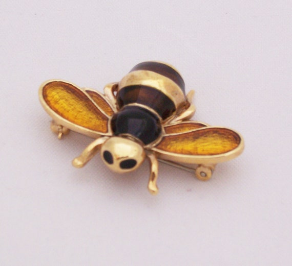 Vintage yellow, brown and black enamel gold tone bee brooch pin