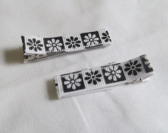 Pair of Black and White Flower Hair Barrettes