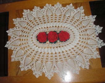 Red Rose Beauty Centerpiece / Doily / Tablecloth / Runner