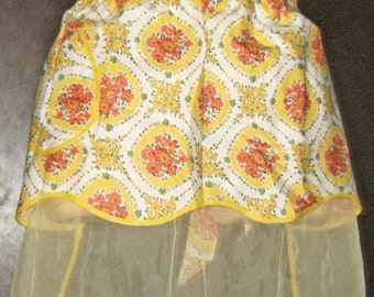 Vintage 1950s Apron/ Yellow/ Orange Floral Print/ Reversible