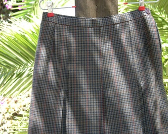 Beautiful Vintage Wool Kick Pleated Skirt in Small Plaid Size10 UK and Made in New Zealand