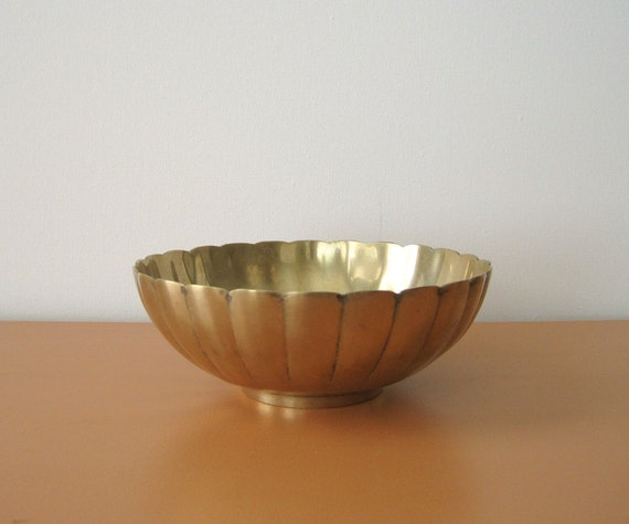 Vintage Ribbed Brass Bowl, Scalloped Edge