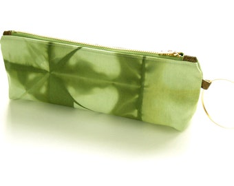 100% Organic Cotton Shibori Clutch - Green Shibori Wristlet Clutch - Deep Moss