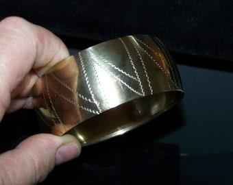 Cuff Bracelet, Wide brass bracelet, Vintage wide cuff bracelet, brass cuff bracelet....
