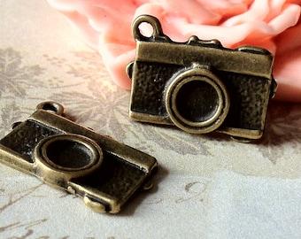 16 x 8 mm Antique Bronze Camera Charm Pendant (.am)