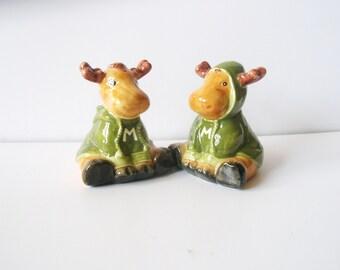 Christmas reindeer Vintage Salt and Pepper Deers  Shakers   set of 2