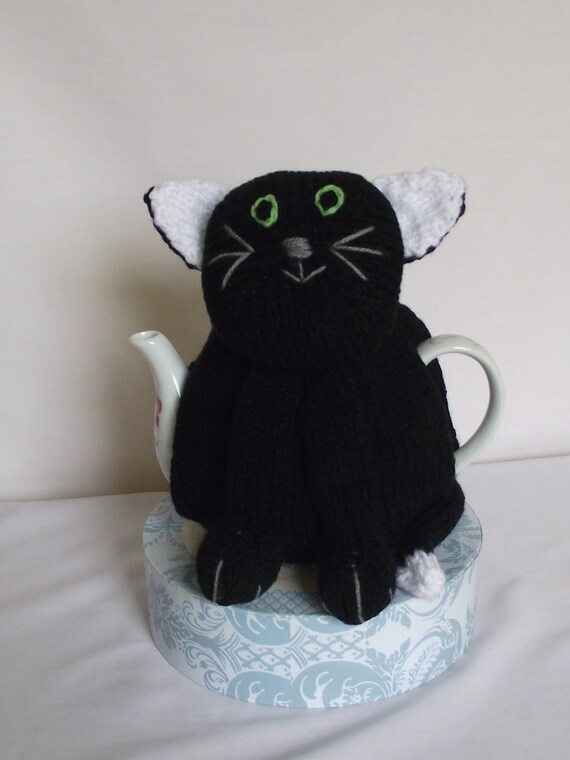 cute black kitty cat   theme Hand Knitted  Tea Cozy / cosy