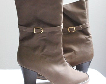 Vintage 80's Taupe Buckle Boots Sz 5