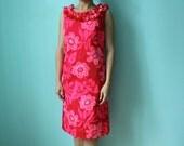RESERVED vintage pink mod print Hawaiian dress with ruffled neckline // size 10 // medium