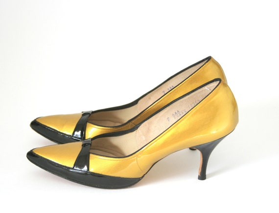 Air Step Paris Mustard Gold Colored Heels Size 65 or 7 Shoes
