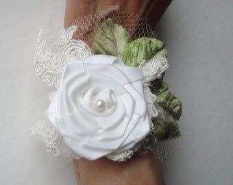 Wedding Bracelet, Wrist Cuff, Rose and Lace Beaded White Cuff, Boho Wedding, Bridal Wrist Cuff, Lacy Cuff, Rose Bracelet, Bohemian Bride