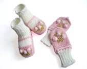 Baby booties and mittens set with hand embroidered roses/ size 0-3M