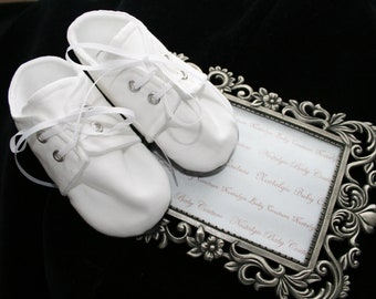 White Cotton Baby Boy Shoes\Baby Booties\Sizes Newborn to 18 months, Christening, Baptism, Dedication, Easter, Special Occasion