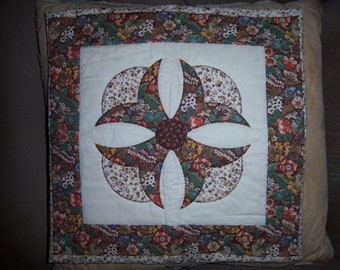 Quilted pillow sham