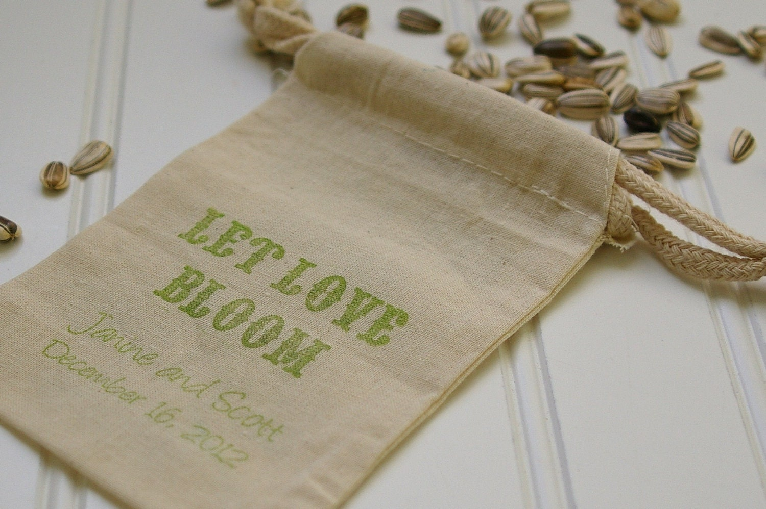 flower seeds as wedding favors