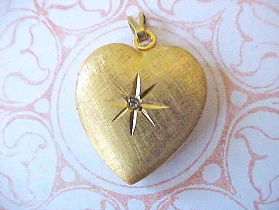 Pretty Heart Shaped Gold Filled Locket from the 1940's
