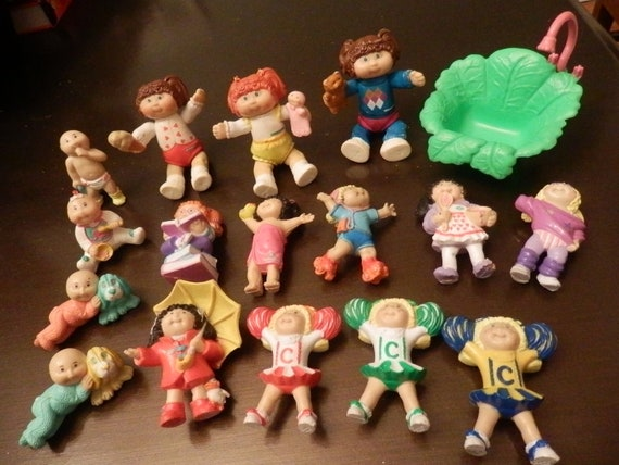 16 Cabbage Patch Figurine Collection and Cabbage Patch Shower