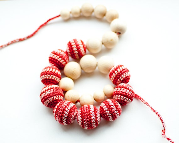 Nursing necklace / Teething necklace / Crochet nursing necklace - Colormix red white