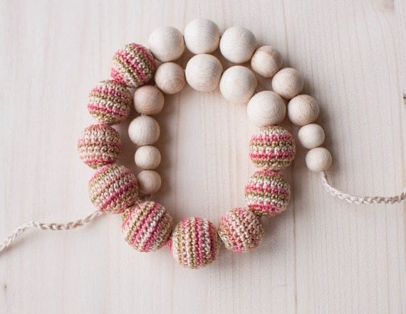 Nursing necklace / Teething necklace / Crochet nursing necklace - Colormix pink, peach, beige
