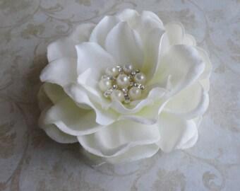 Bridal Flower Hair Clip, Bridal Hairpiece, Flower Fascinator, Bridal Antique White Flower, Creamy White Gardenia, Pearl Rhinestone , Brooch